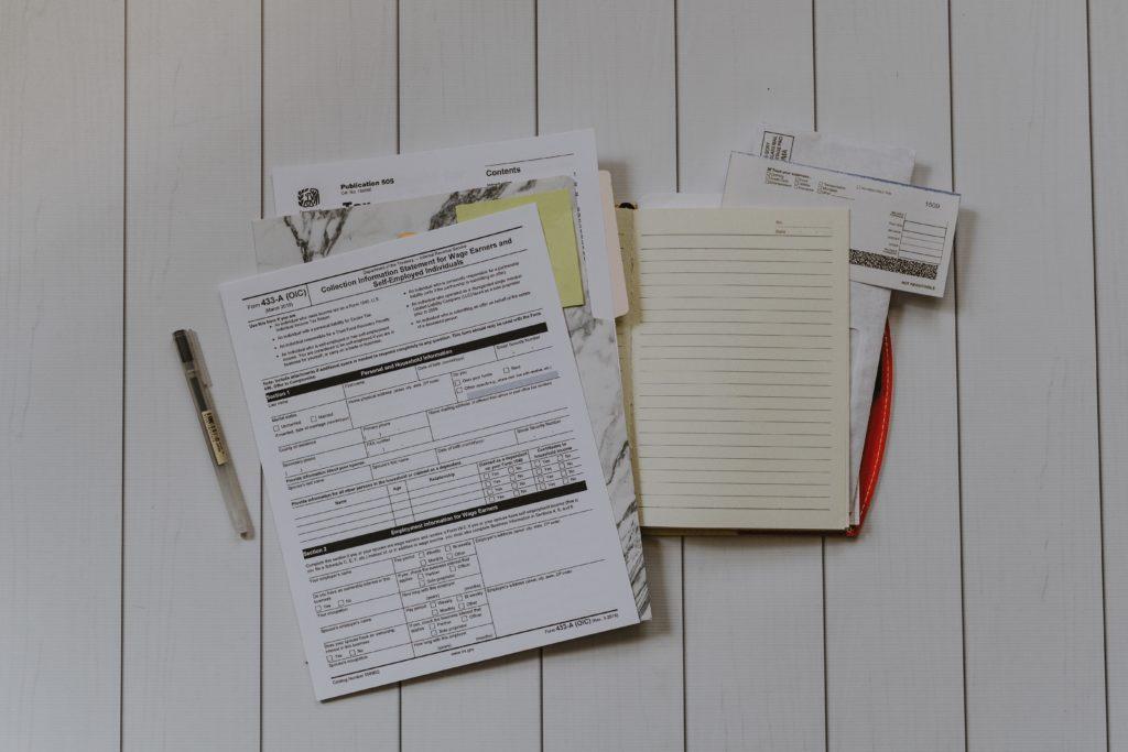 海外で税金の写真